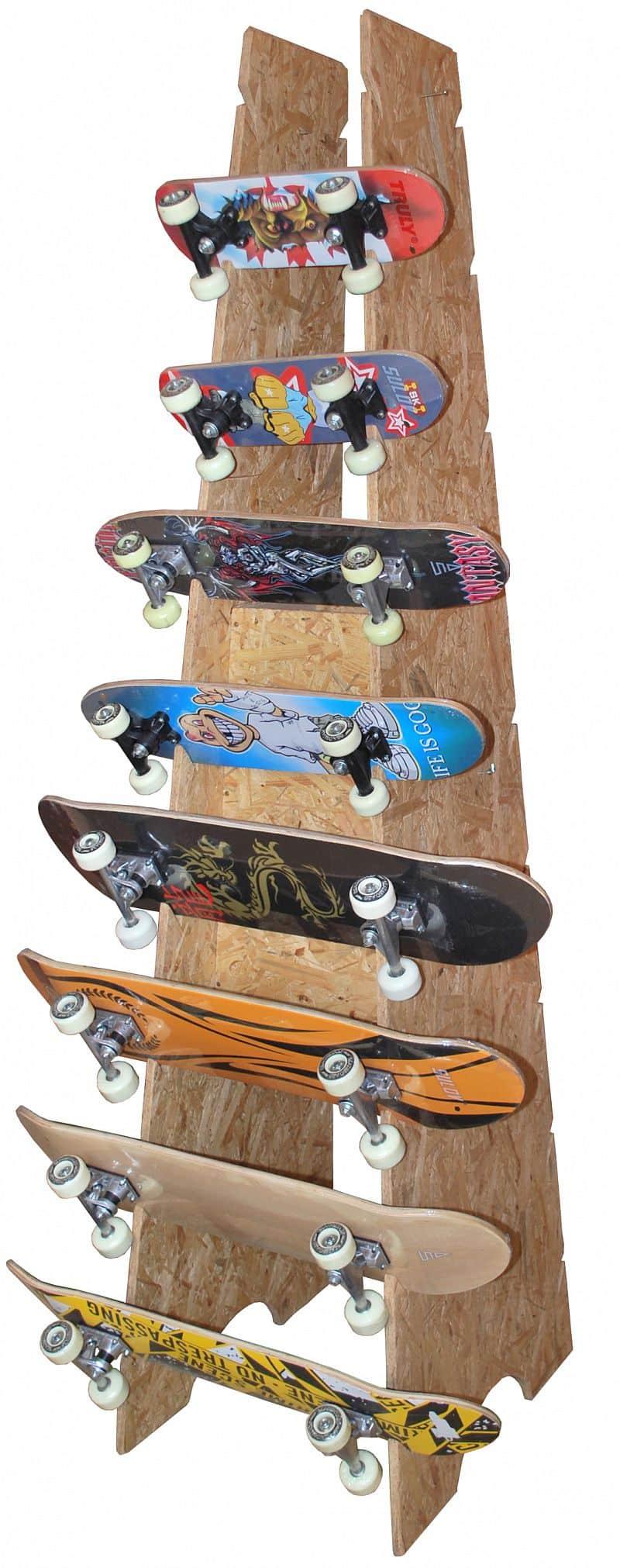Stojan na skateboardy