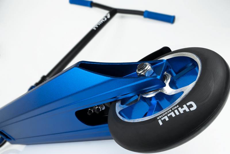 Chilli PRO 5100 modrá freestyle koloběžka
