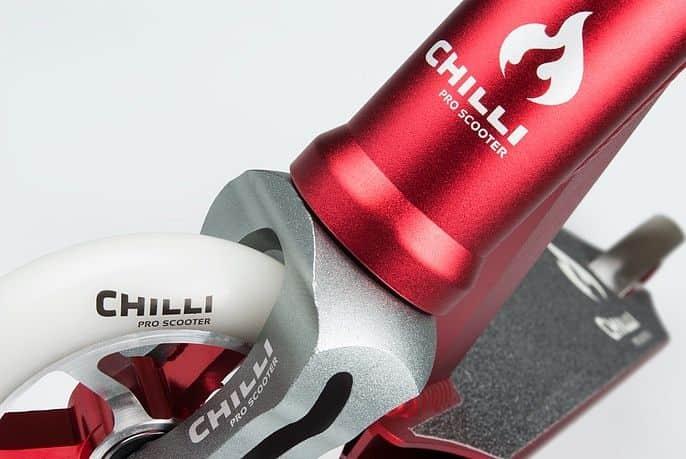 Chilli PRO 5200 červená freestyle koloběžka