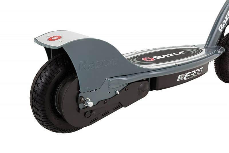 Elektrická koloběžka Razor E300