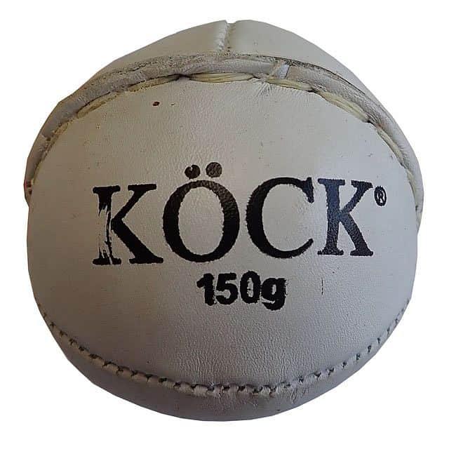 Levně ACRA Míček kriketový kožený