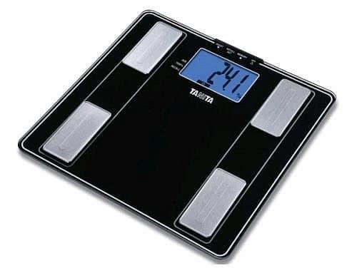Osobní digitální váha metalická Tanita UM - 041 - NOVINKA