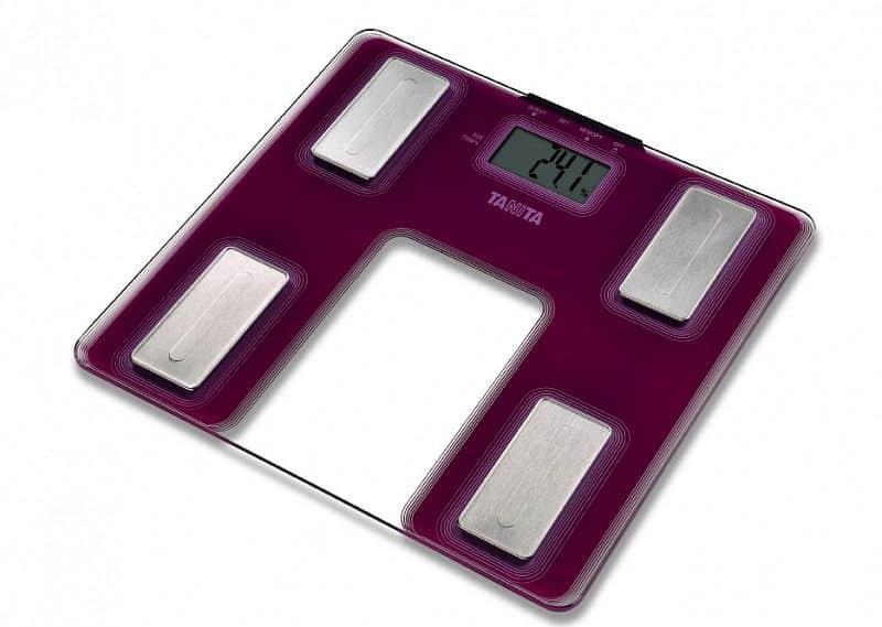 Osobní váha s tělesnou analýzou Tanita UM - 040 - NOVINKA